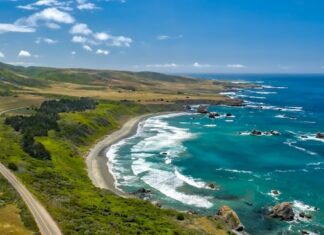 Highway 1 along the Pacific Ocean. Photo courtesy of Highway 1 Discovery Route