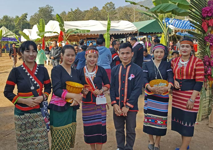 Sommay with Festival Hostesses at the Khmu's New Year Festival