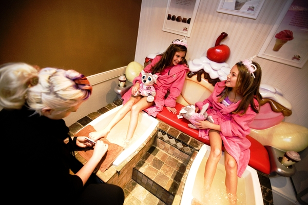 Little girls play grown-up at the Scoops Kid Spa at Great Wolf Lodge. Photo by Great Wolf Lodge