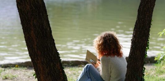 10 Travel Books to Feed Your Wanderlust