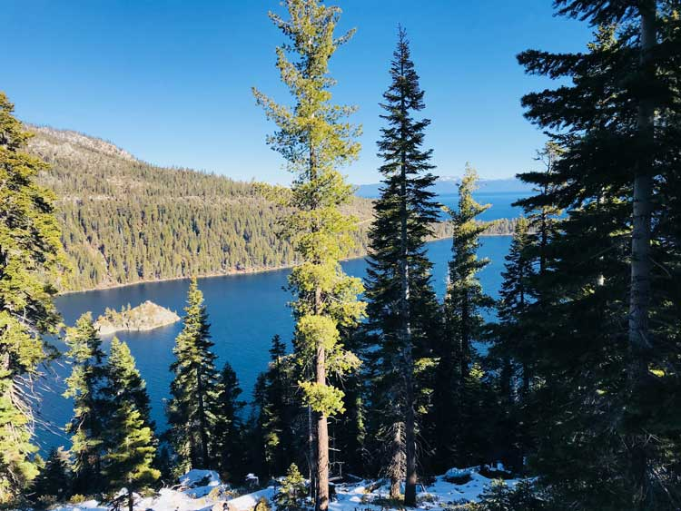 Lake Tahoe straddles the states of California and Nevada