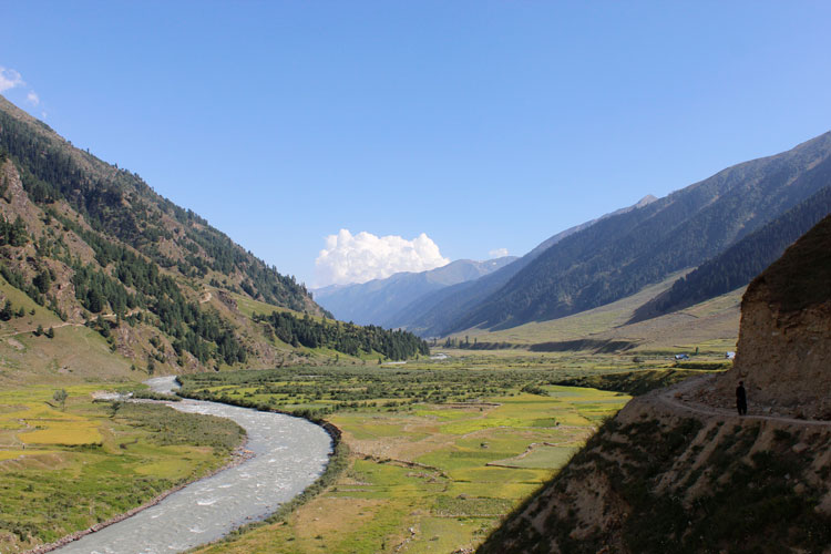 Beautiful view of a valley after Basmin village, as the mighty Chinab River snakes through the valley.