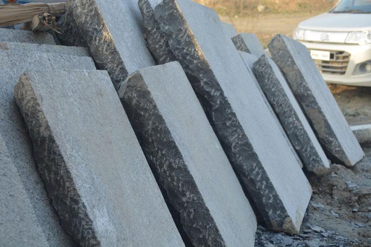 Slabs of Braande Kaen laid out.