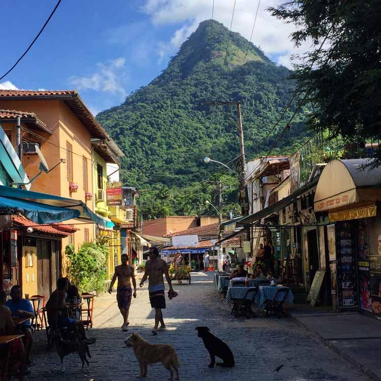 The backstreets of Ilha Grande.