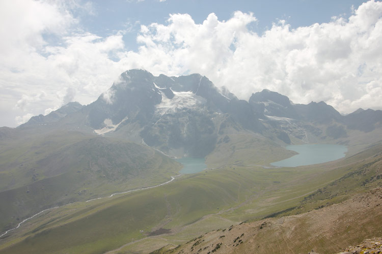 A view of Twin lakes and Harmukh peak in the background. Photo by Shafat Mir