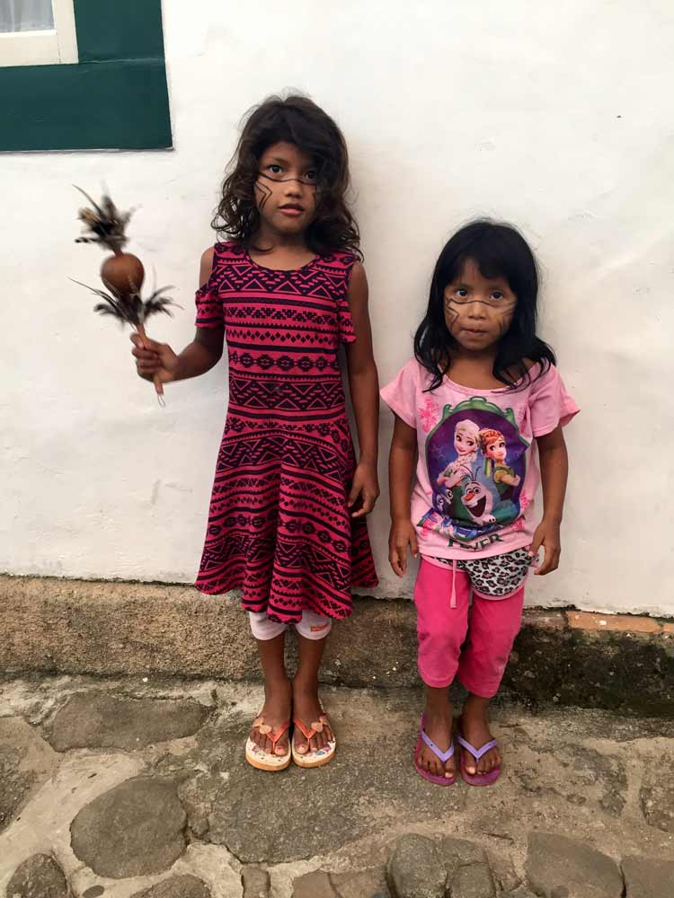 Kids hanging out in the streets in Paraty.