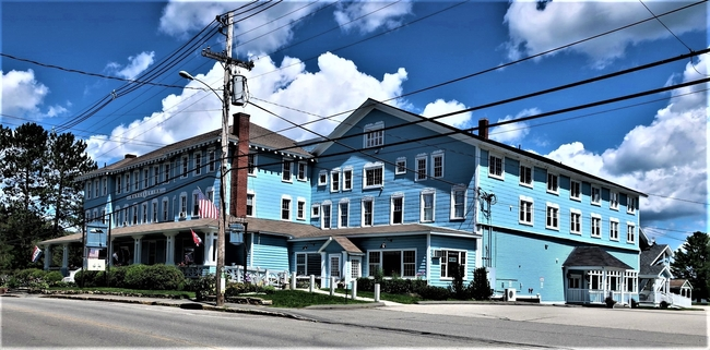 The rambling Rangeley Inn depicts the history and setting of its western Maine location. Photo by Victor Block