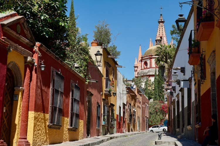 The quiet streets in Mexico while traveling during the pandemic.