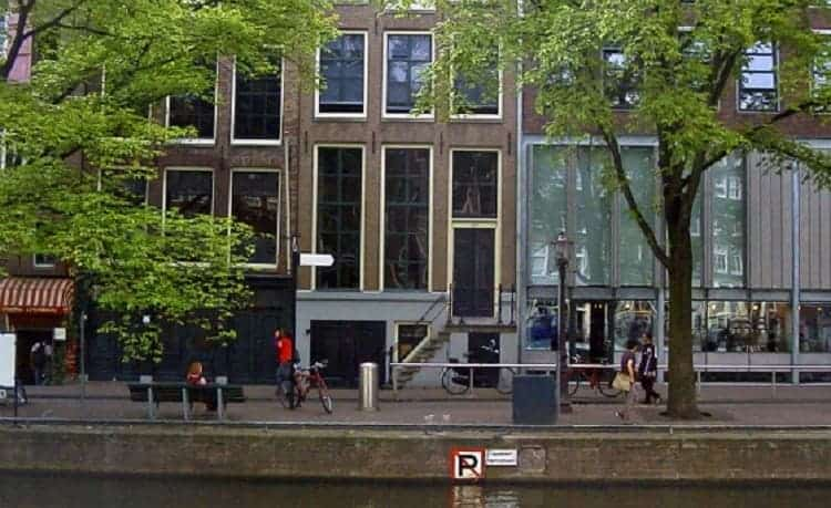 The front side of Anne Frank House