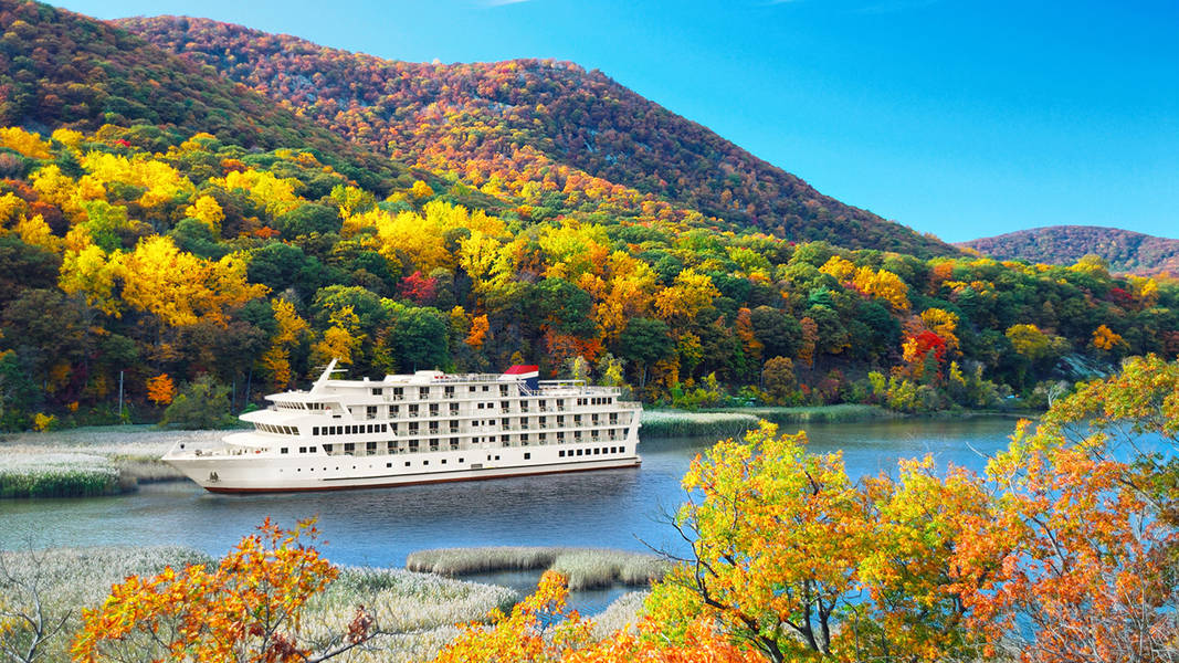 River boats offer a relaxing way to view fall foliage.  Photo by American Cruise Line.