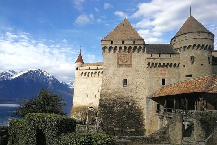 Arrive at the Chillon Castle gates.
