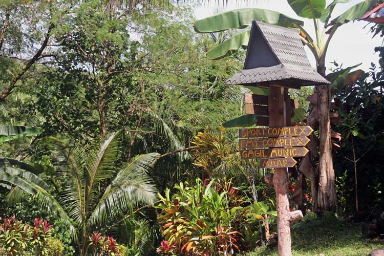 Directional sign on Yap.