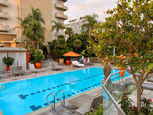 Four Seasons Los Angeles