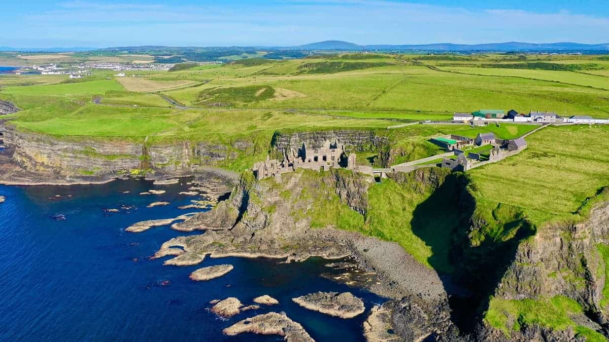 Best Castles in Northern Ireland: Mezmerizing Natural View