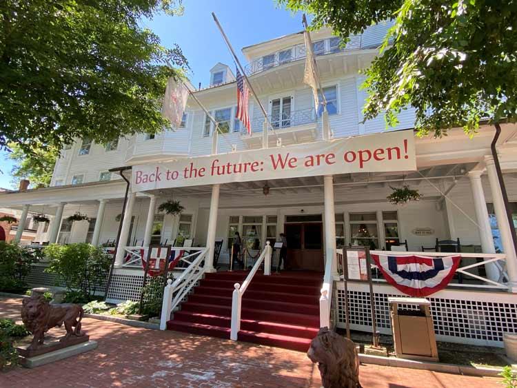 Red Lion Inn is open.