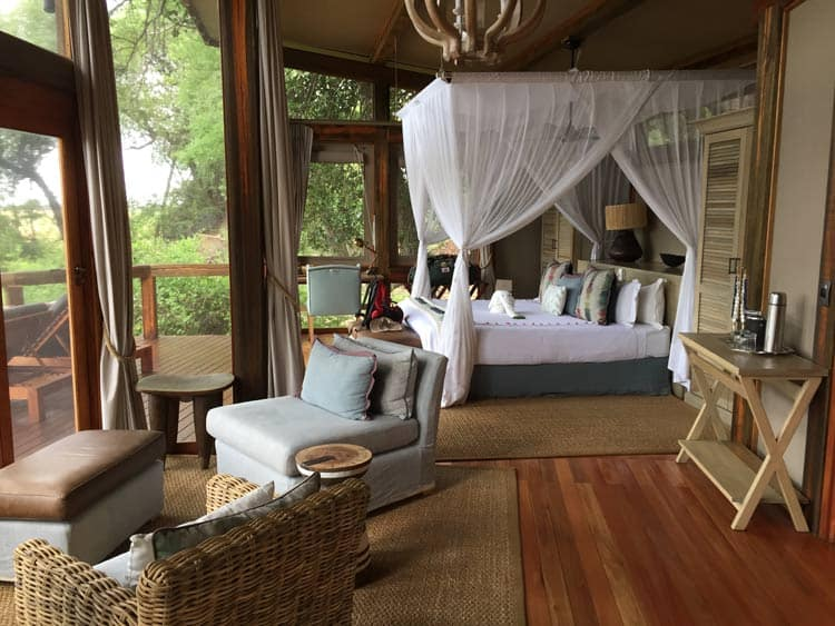 Beautiful bungalow to book in Africa.