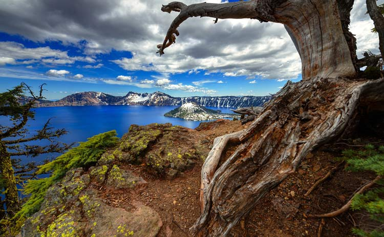 See Crater Lake on part of the Oregon trail