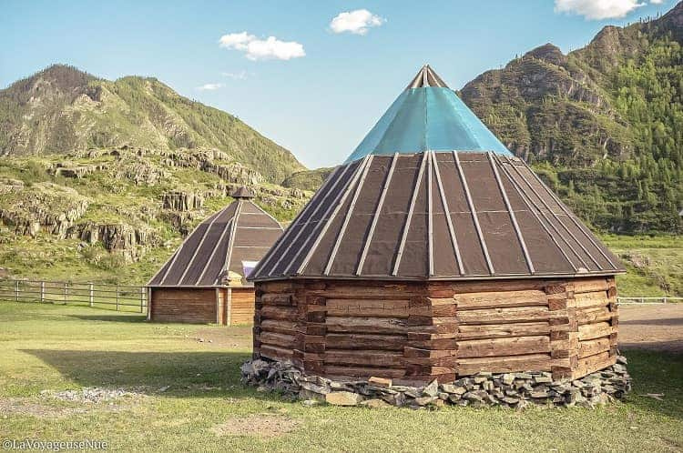 Altai people and their traditional houses