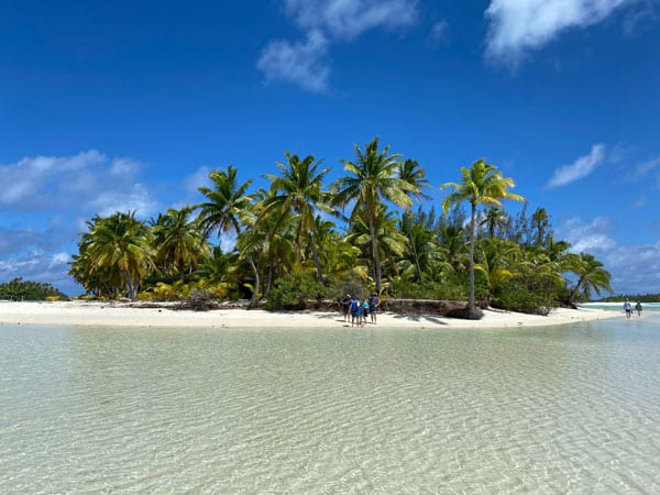 Crystal clear waters surround the Cook Islands