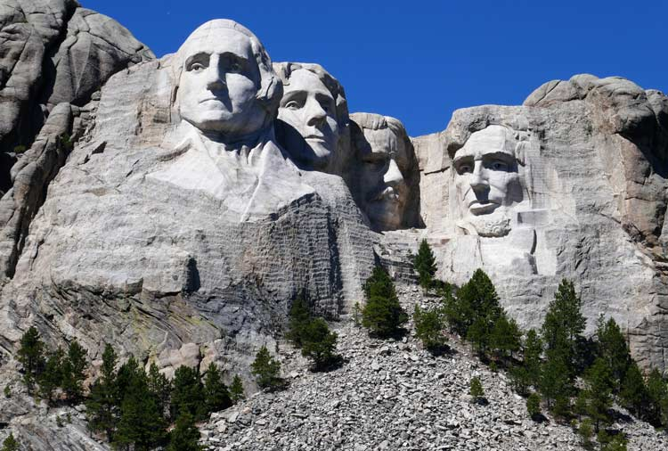 Mount Rushmore is less than an hour from Deadwood
