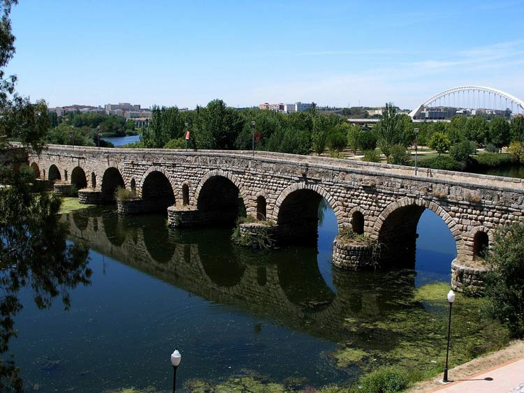 The Puente Romano is the perfect attraction for your romantic European small town getaway in Merida, Spain