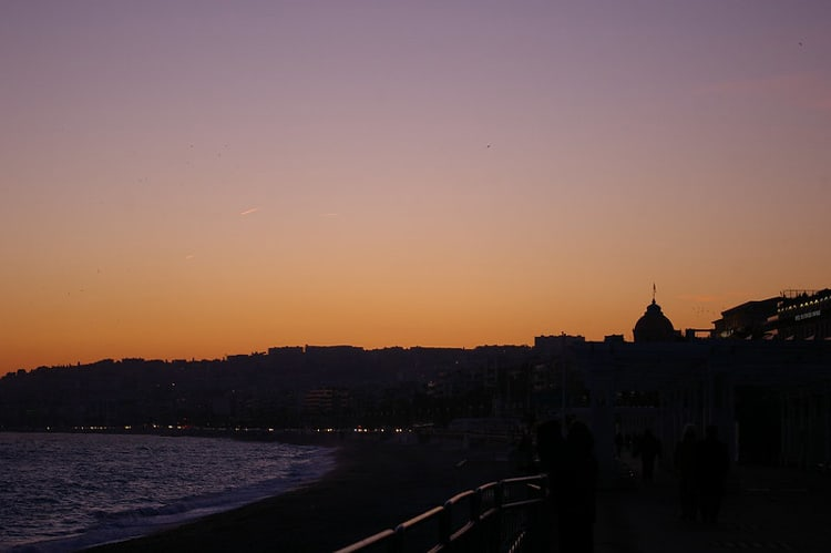 Spectacular sunset over the Baie des Anges in Nice. CC Image by debs-eye