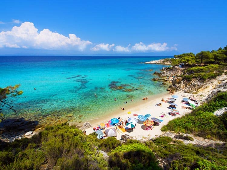 Spend your day on the beach of Armenistis in Halkidiki. Photo courtesy of Greek National Tourism Organisation