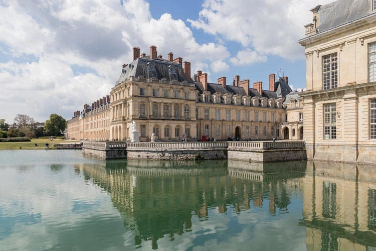 Gorgeous old architecture at the Fontainebleau in Paris