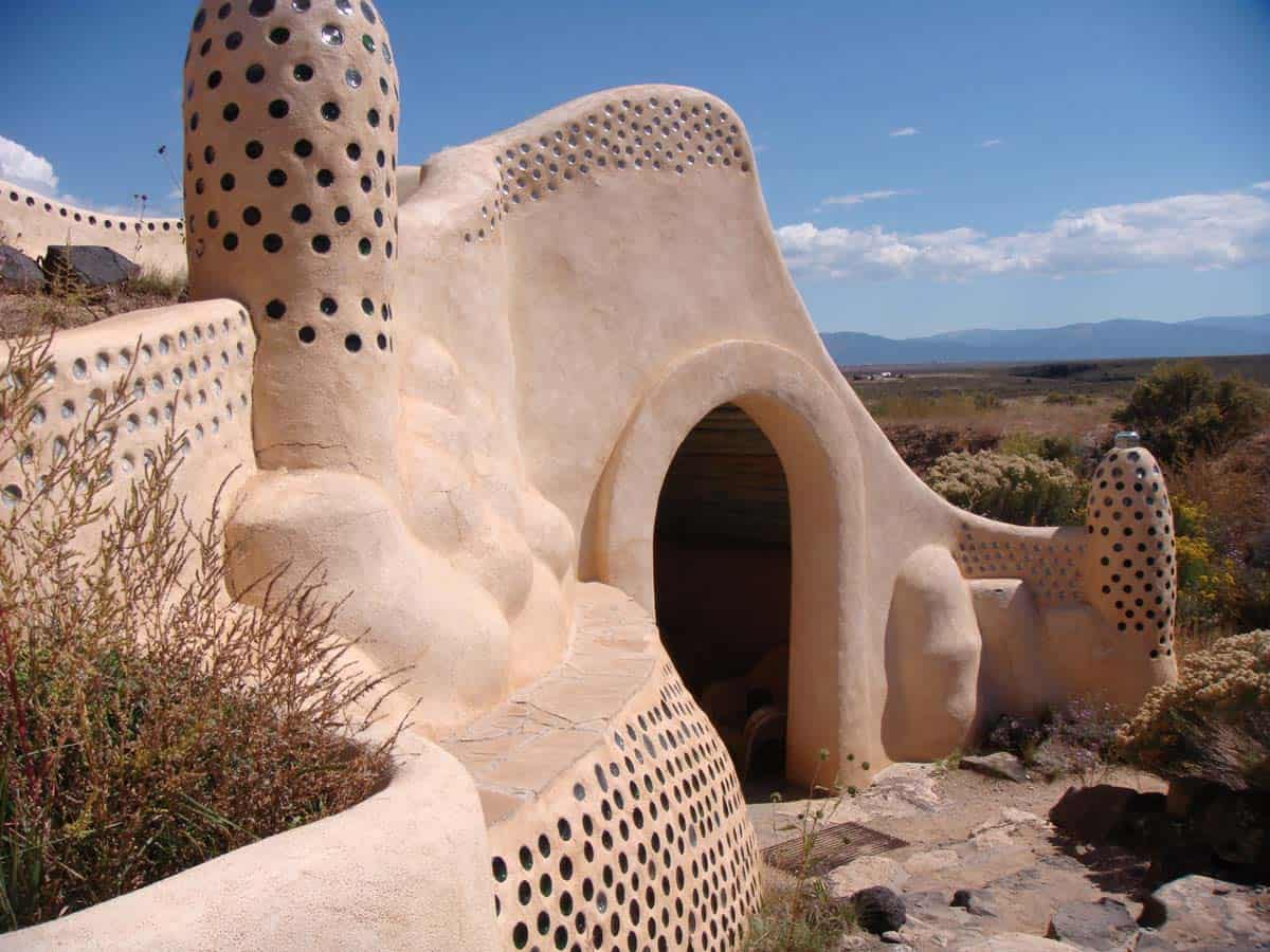 Earthship Houses: Overnight Stay in the Sustainable Homes of Taos