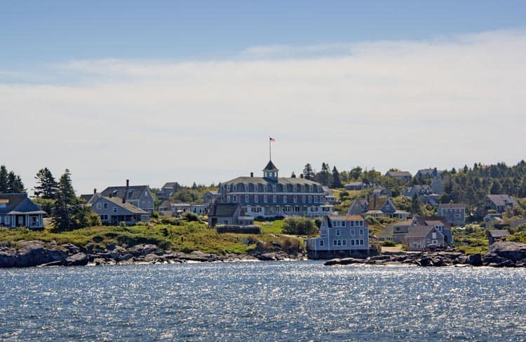 The Island Inn is a perfect artistic getaway on the shores of Maine. Photo courtesy of Stephen Rubicam