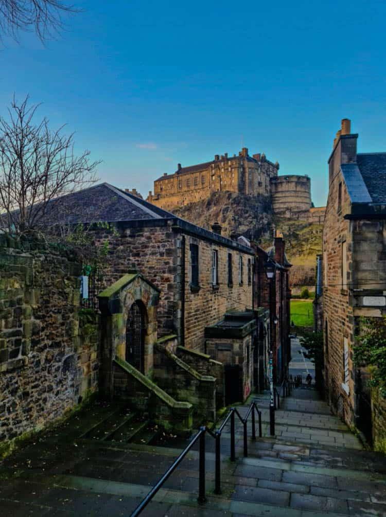 Edinburgh Castle view from Vennel