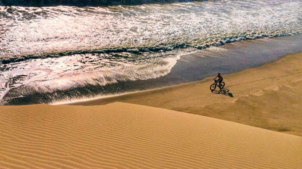 Diamonds in the Sand: Expedition on Namibia's Skeleton Coast