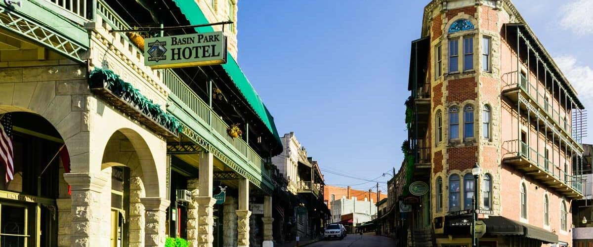 Haunted hotels or Eureka Springs, Arkansas