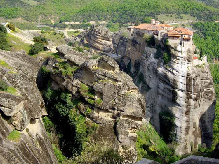 The stunning cliffs of Meteora