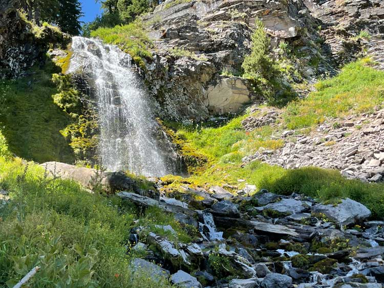 Plaikni Falls Trail in Crater Lake National Park