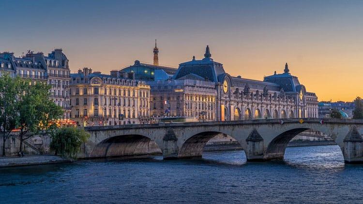 Dusk in Paris