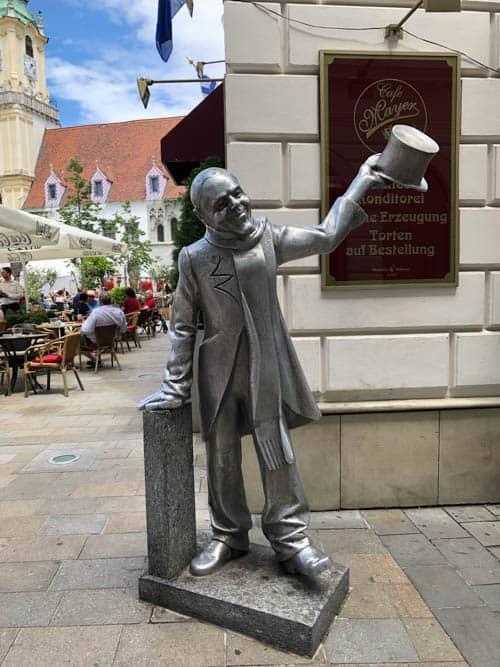 Schöner Nàci sculpture in Bratislava