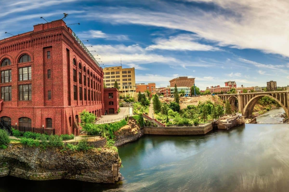 6 Must-See Towns on a Pacific Northwest Road Trip