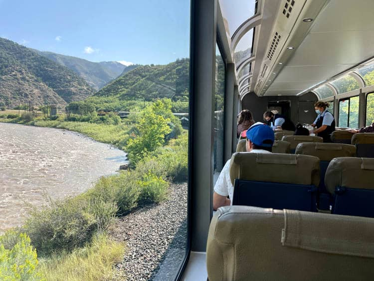 Rocky Mountaineer Rockies to Red Rocks.
