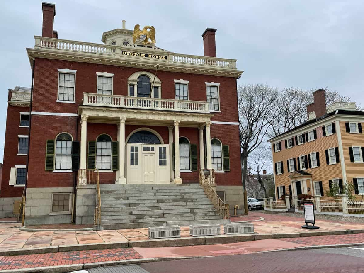 Things to Do in Salem, MA: Witch Trial Attractions + Historic & Food Tours