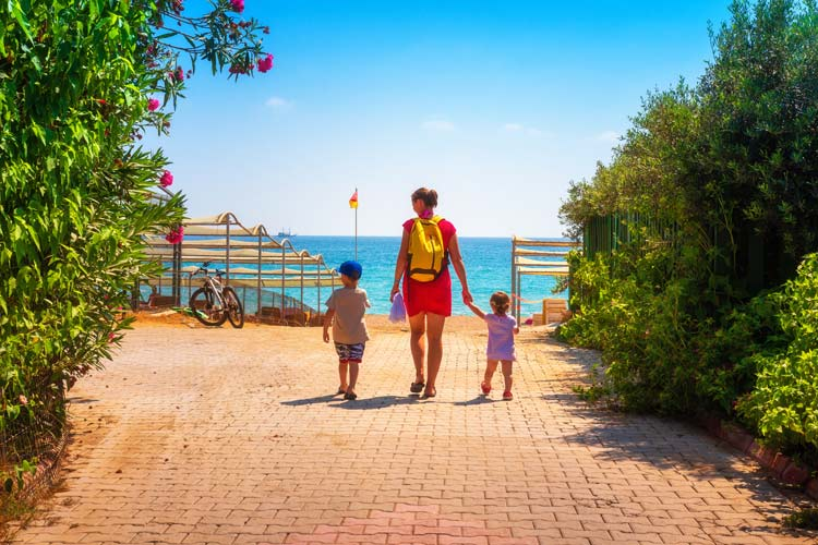 Au Pair with families around the world